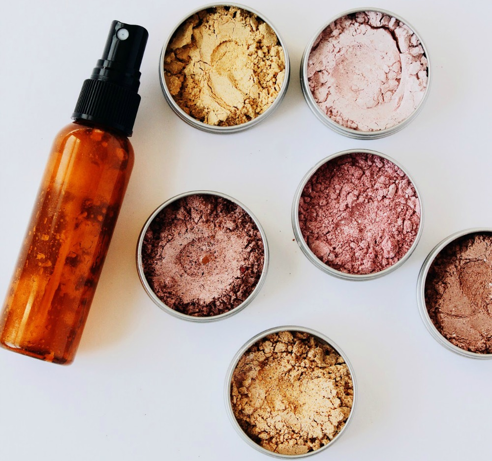 DIY All Natural Make-up + Primer