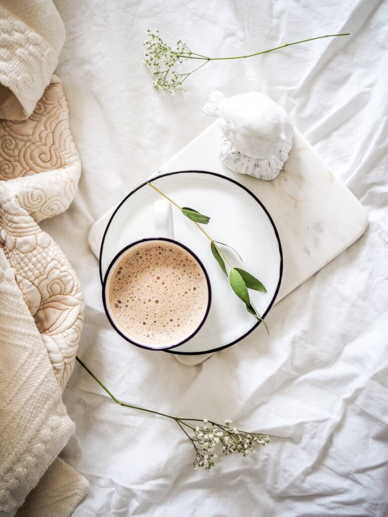 Tips to Embrace Hygge with your Self-Care Routine this Fall!